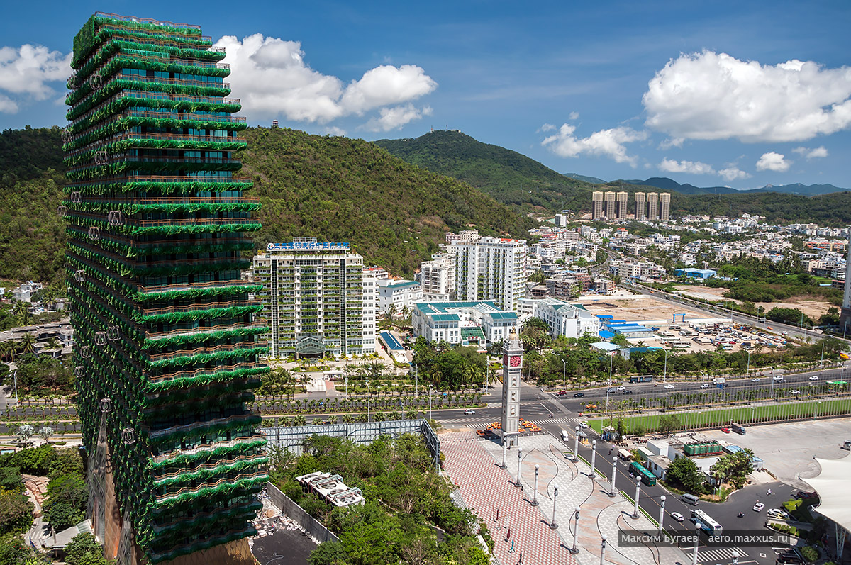 Beauty Crown Hotel in Sanya China. Photo by Max Bugaev